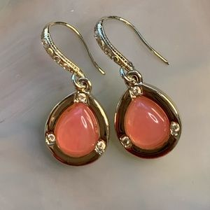 Goldtone  resin earring clear stone accents